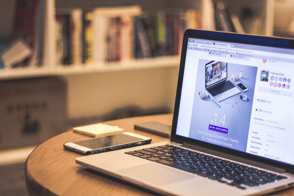 desk laptop macbook pro working 69432